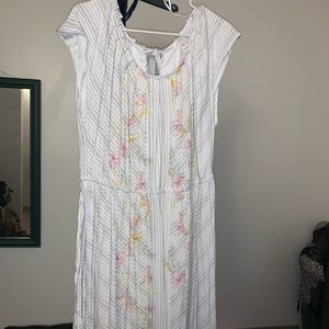 Great Condition White and Grey dress with flowers